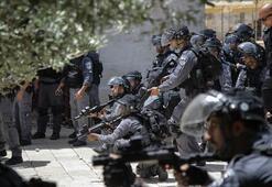 İsrail polisinden Mescid-i Aksaya baskın