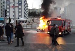 Nevşehirde seyir halindeki otomobil yandı