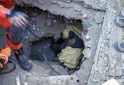 Son dakika: Elazığda depremin ardından Hatun Teyze böyle kurtarıldı