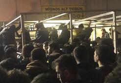 Fenerbahçe taraftarı stat kapısını zorlandı Kulüpten açıklama
