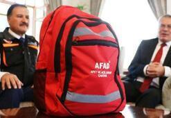 Deprem çantasına neler konulur Deprem çantasında neler olur Deprem çantasında olması gerekenler