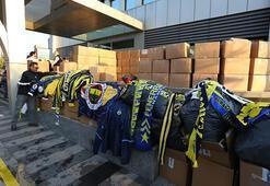Fenerbahçeli taraftarların yardım paketleri Elazığa ulaştı