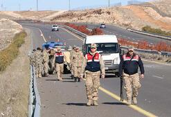 Şanlıurfada askeri araç devrildi: 4 yaralı