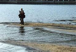 Muğlada deniz suyu 50 metre çekildi
