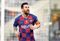 Destansı futbolcu Messi 500 maçta 700 gole katkı...