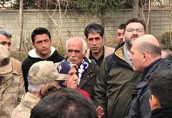 Evlat nöbeti tutan annelerden Elazığdaki depremzedelere ziyaret
