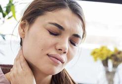 Boyun fıtığı nedir, belirtileri nelerdir Boyun fıtığı neden olur ve ağrısı nasıl geçer