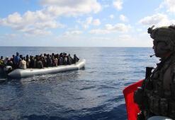 Orta Akdeniz'de tespit edilen 30 düzensiz göçmen, Libyaya teslim edildi