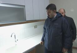 Bakan Kurum, Elazığda depremzedelere verilecek konutları inceledi