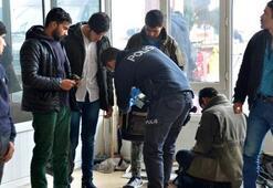 Adanada 12 göçmen yakalandı