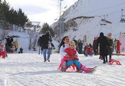 Yarıyıl tatili hem Erzurumlu turizmcilerin hem de tatilcilerin yüzünü güldürdü
