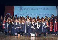 Yakın Doğu'da mezuniyet coşkusu