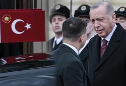 Cumhurbaşkanı Erdoğan, Ukraynalı mevkidaşı Zelenskiy tarafından resmi törenle karşılandı