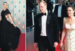 Margot Robbienin Kraliyet esprisi BAFTAya damga vurdu