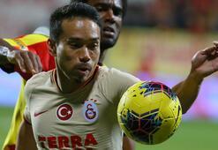 SON DAKİKA | Galatasarayda Nagatomo ve Luyindamanın sözleşmeleri askıya alındı