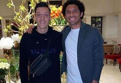 Mesut Özil İstanbulda Elneny ile buluştu