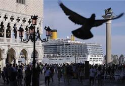 Venedikte dev gemilere yasak kararı
