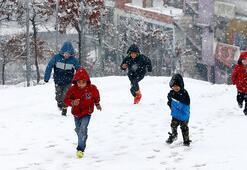 İstanbulda yarın (7 Şubat) okullar tatil mi Valilikte açıklama var mı