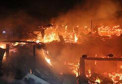 Erzurumda çıkan yangında 4 ev ve 3 ahır yandı