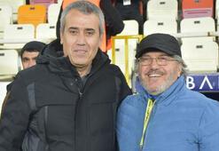 Mustafa Reşit Akçay: Ligde kalacağımızı  düşünüyoruz
