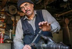 46 yıldır demir kesen bıçaklar yapıyor