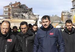 Bakan Kurum, depremzedelerle buluştu