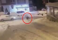 Mahalle arasında poşetle kayak keyfi kazayla bitti