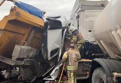 Son dakika... Hafriyat kamyonu ile su tankeri kafa kafaya çarpıştı