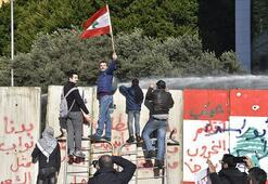 Yeni hükümetinin güven oylaması, protestoların gölgesinde başladı