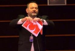Son dakika... Avrupa Parlamentosundan Türk bayrağı yırtan Yunan vekile ceza