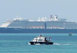 Koronavirüs korkusu 5 limana yanaşmasına izin verilemeyen gemi Kamboçyaya demirledi