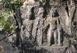 3 tanrının tokalaştığı 1790 yıllık tarihi eser, 13 yıldır aranıyor