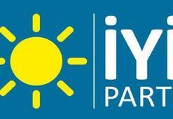 İYİ Parti Kepez İlçe Başkanı ile Kumluca Belediye Başkan Yardımcısı istifa etti