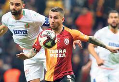 Galatasarayda alkışlar Adem Büyük'e