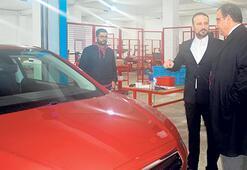 Sucuoğlu yerli otomobil fabrikasını gezdi