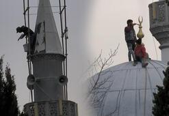 Bağcılarda minare tepesinde tehlikeli çalışma