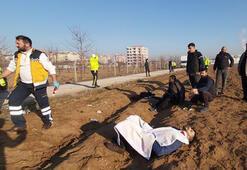 Son dakika haberleri: Kamyonet tarlaya devrildi: Yaralılar var