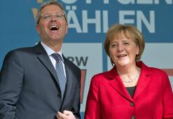Norbert Röttgen Merkelin partisi CDUya başkan adayı oldu