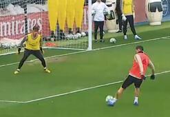 Real Madrid antrenmanında şık gol