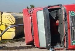 Kaçak döküm yapan hafriyat kamyonu devrildi