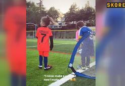 Xess Xava Sneijder futbola ısınıyor