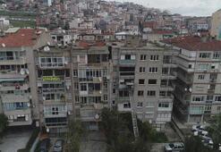 Zemini kayan binada oturanların taşınma işlemi sürüyor