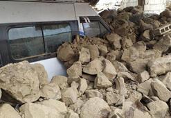 Son dakika: Türkiye-İran sınırında deprem Vanda evler yıkıldı Görüntüler peş peşe geliyor
