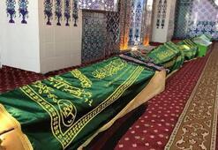 Depremde ölen 9 kişinin cenazeleri camiye getirildi
