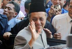 Son dakika | Malezya Başbakanı Mahathir Muhammed istifa etti