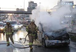 E-5te araç alev alev yandı Trafik yoğunluğu oluştu