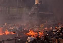 Son dakika... Delhide Hindu ve Müslüman gruplar çatıştı: Çok sayıda ölü ve yaralı var