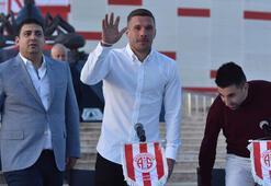 Ali Şafak Öztürk: Podolski gollerini Fenerbahçe maçına saklıyor
