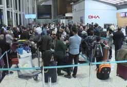 İranlı yolcular İstanbulda kendileri için gelecek boş uçağı bekliyor