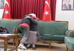 178 gün sonra, HDP önünde 2 aile daha evladına kavuştu
